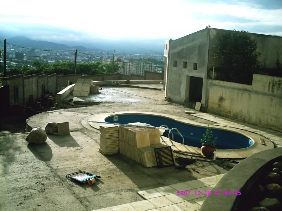 Ampliación piscina y quincho: Piletas de estilo moderno por Valy