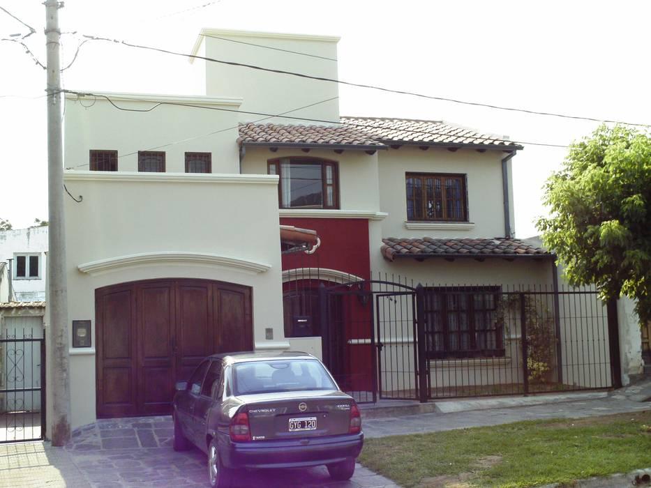 Vivienda unifamiliar Casas coloniales de Valy Colonial Ladrillos