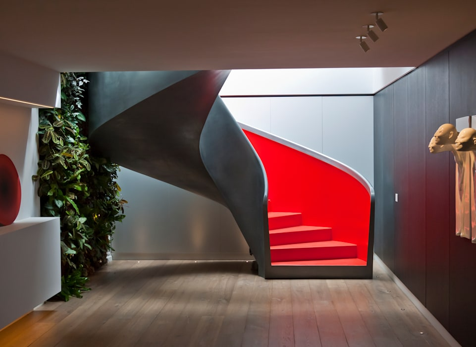 EeStairs   Stairs and balustrades Modern Corridor, Hallway and Staircase Red
