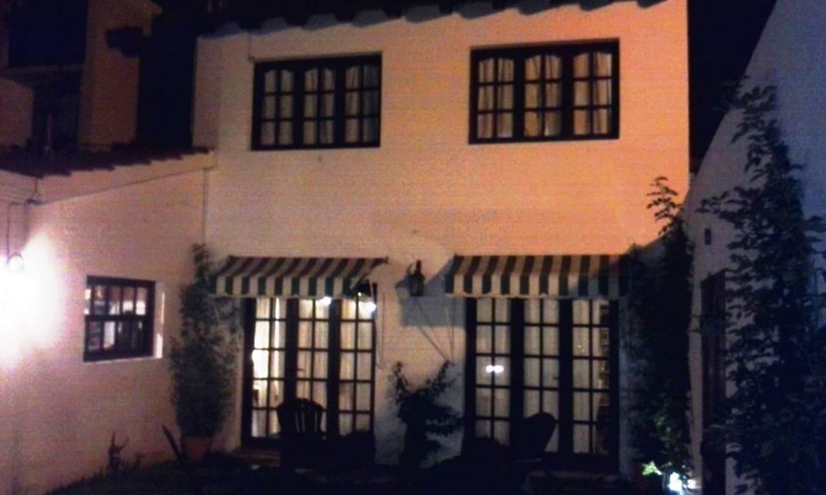 Vivienda unifamiliar: Casas de estilo ecléctico por Valy
