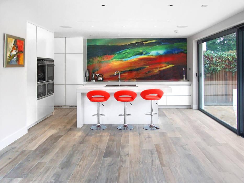 Ailsa Road: modern Kitchen by JURIC DESIGN