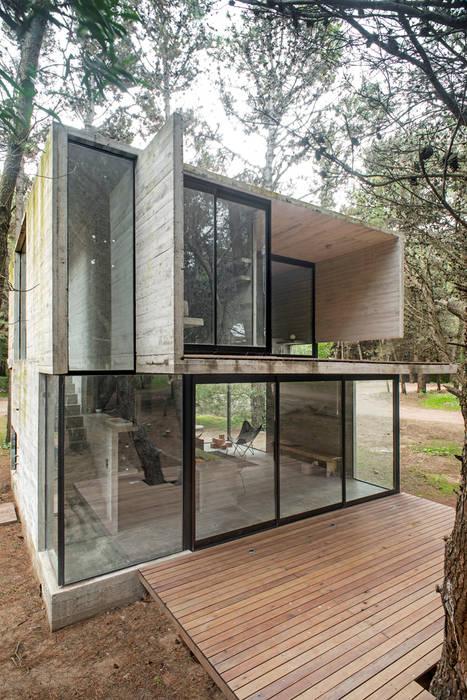 Chalet construido a tus necesidades: Casas de estilo minimalista por Chalets & Lofts