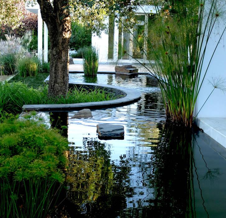 Espelho de água Jardins ecléticos por Atelier Jardins do Sul Eclético