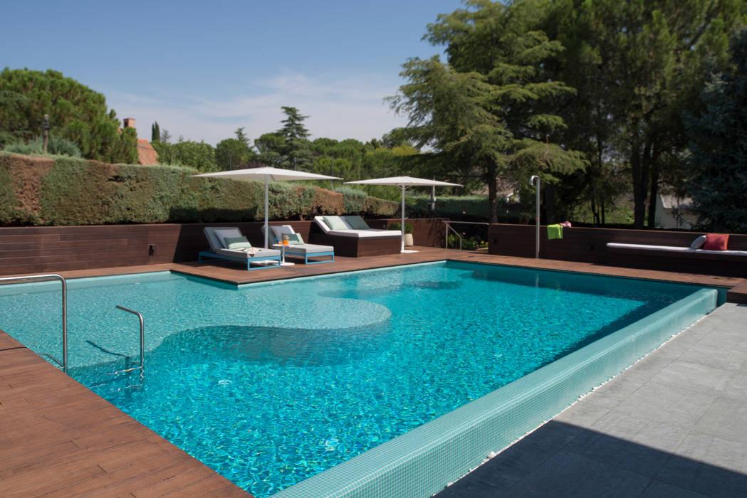 Piscinas de jardín de estilo  por AGi architects arquitectos y diseñadores en Madrid