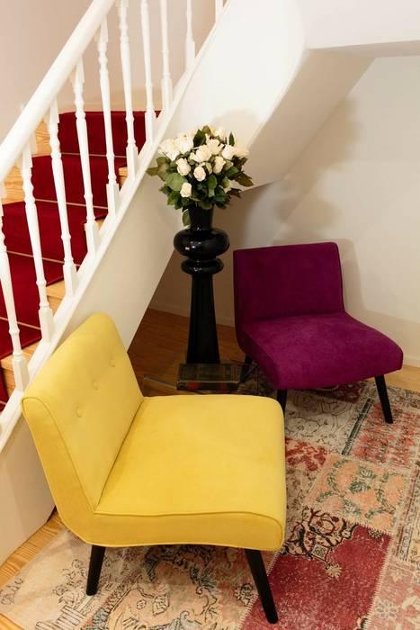 Zona de leitura : Hotéis  por Alma Braguesa Furniture ,