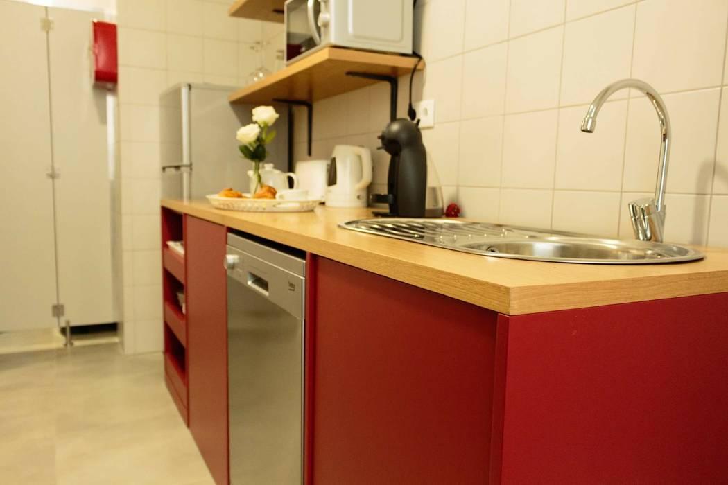 Cozinha : Hotéis  por Alma Braguesa Furniture ,