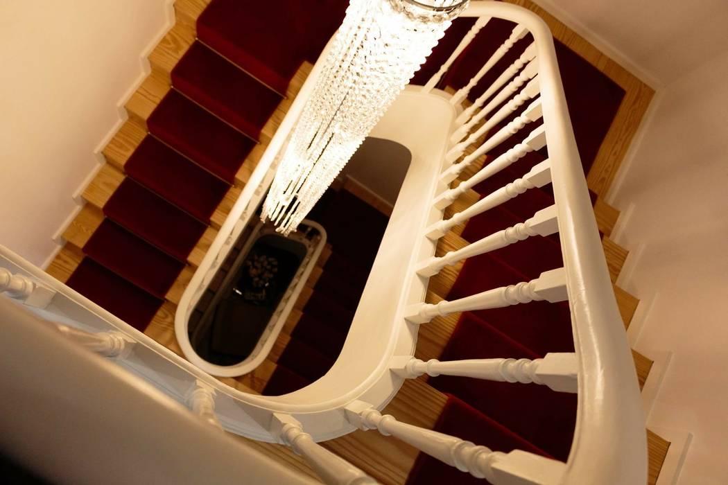 Detalhe escadaria Alma Braguesa Furniture Hotéis escandinavos