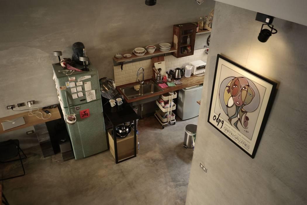 Cocinas de estilo  de 日常鉄件製作所