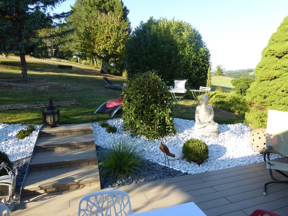 Une véritable jonction entre le lieu de vie et l'espace engazonné: Jardin de style de style Moderne par Berger Jardins
