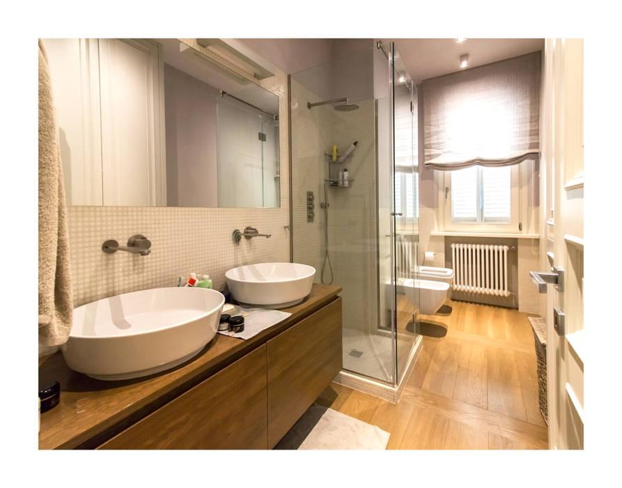 Residenza Privata R.E. - Vinci : Bagno in stile  di Zeno Pucci+Architects,