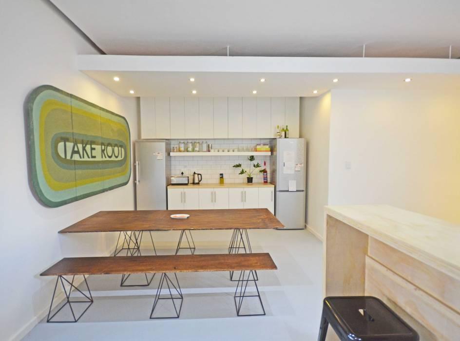 open plan kitchen dining Modern Living Room by Till Manecke:Architect Modern