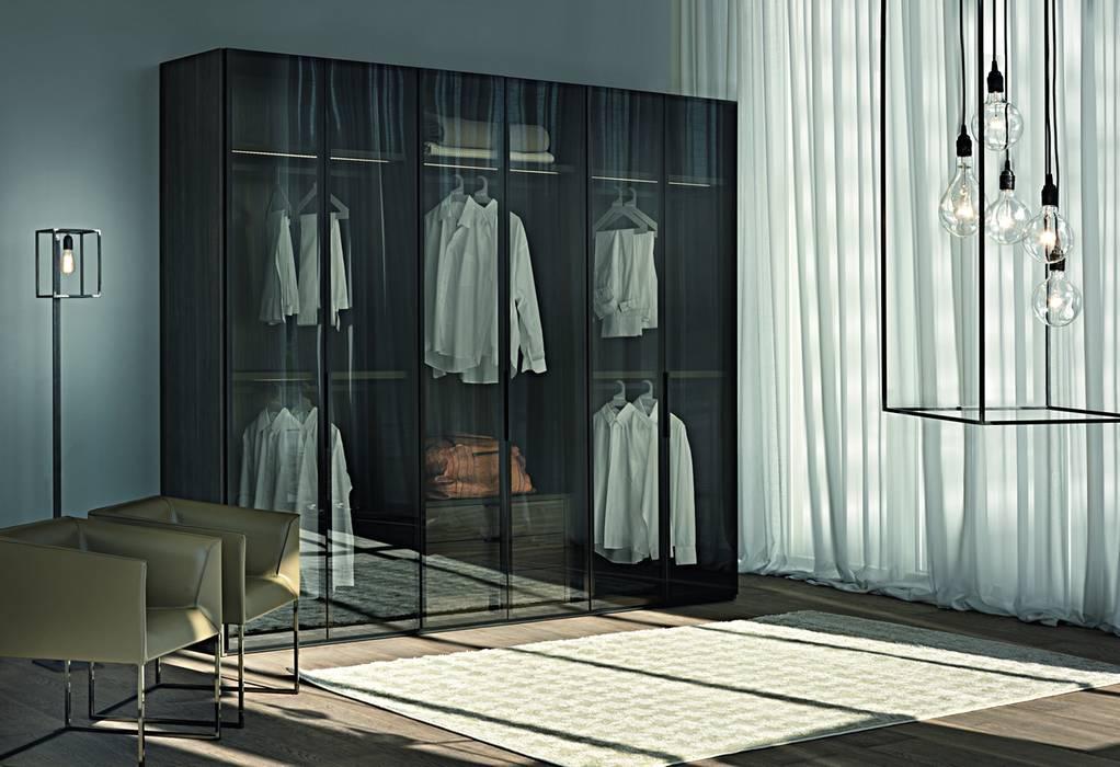 EMOTION HINGED DOOR WARDROBE de IQ Furniture Moderno