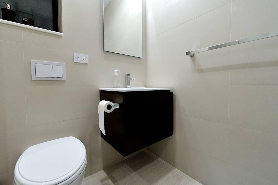 Banheiros modernos por KBR Design and Build Moderno