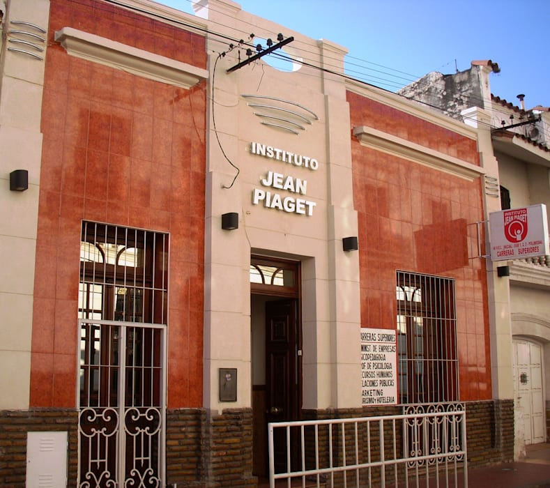Instituto de Educación de Nivel Secundario y Terciario Escuelas de estilo moderno de Valy Moderno Cerámico