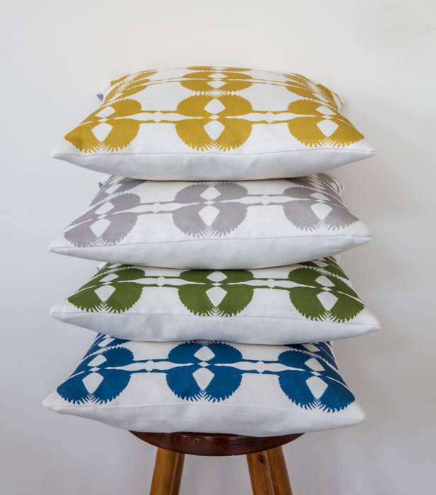 Sparrow Cushion:  Living room by Lomas & Lomas