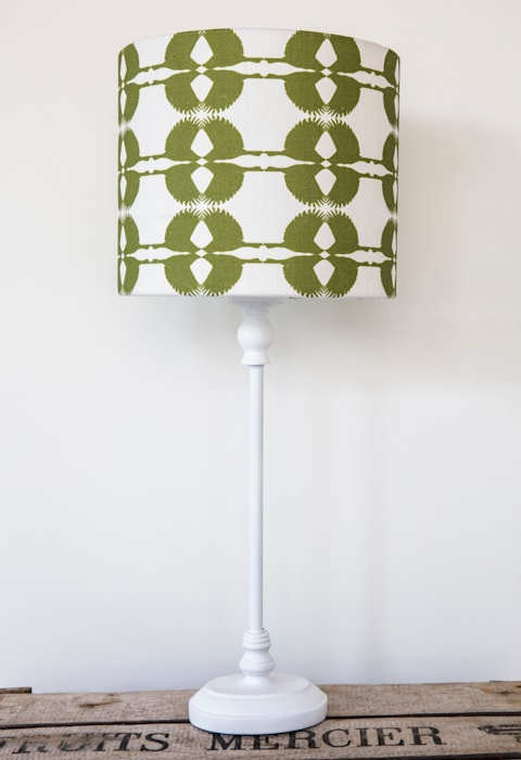 Olive Sparrow Lampshade: country Living room by Lomas & Lomas