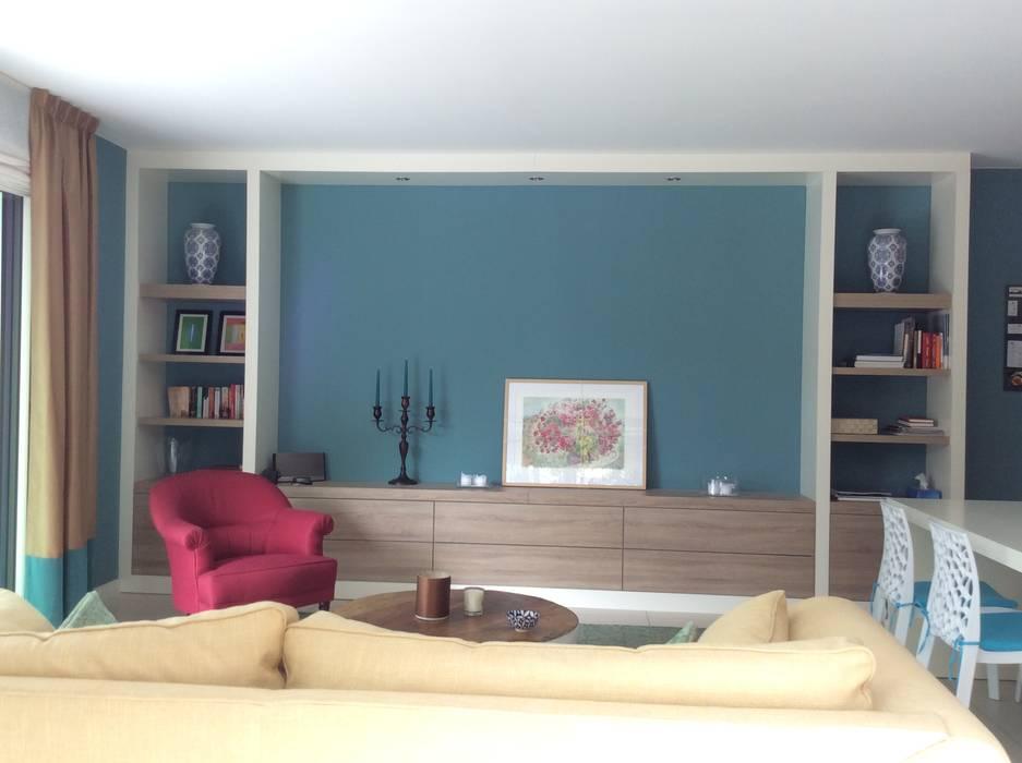 Achterwand Keuken Mdf : Open kast in mdf in wit gespoten met houten ladenfronten