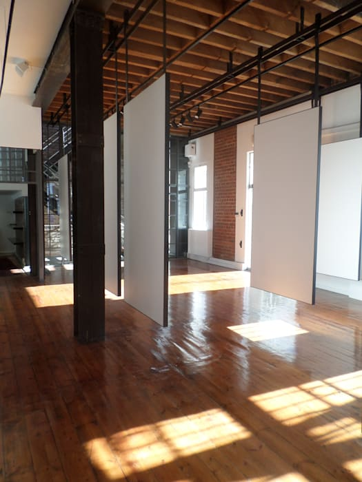 Gallery 153 Claire Cartner Interior Design Industrial style commercial spaces Iron/Steel White