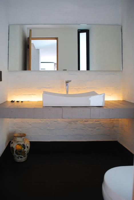 5.- ECHEGARAY Moderne Badezimmer von TARE arquitectos Modern