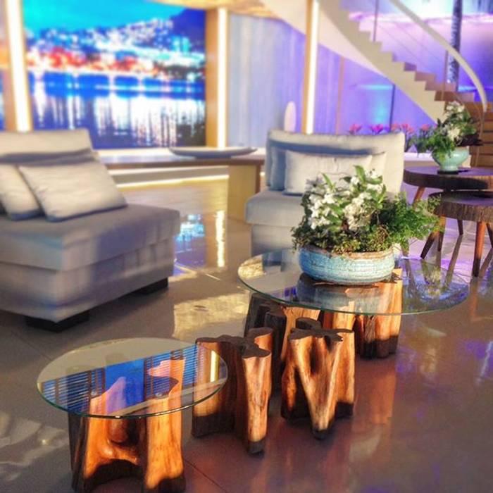 Mesa de Centro em Madeira Maciça Rústica - ArboREAL por ArboREAL Móveis de Madeira Rústico Madeira maciça Multi colorido