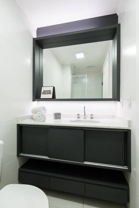 Apartamento Soho Banheiros industriais por K+S arquitetos associados Industrial