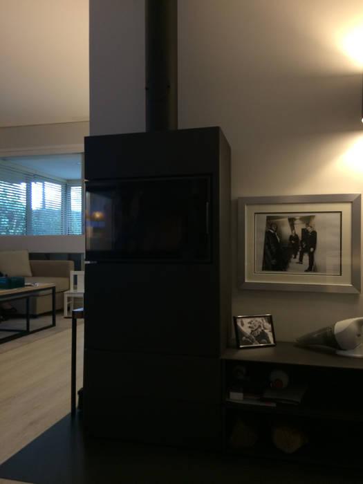 Appartement Le Chesnay: Salle à manger de style  par Nuance d'intérieur