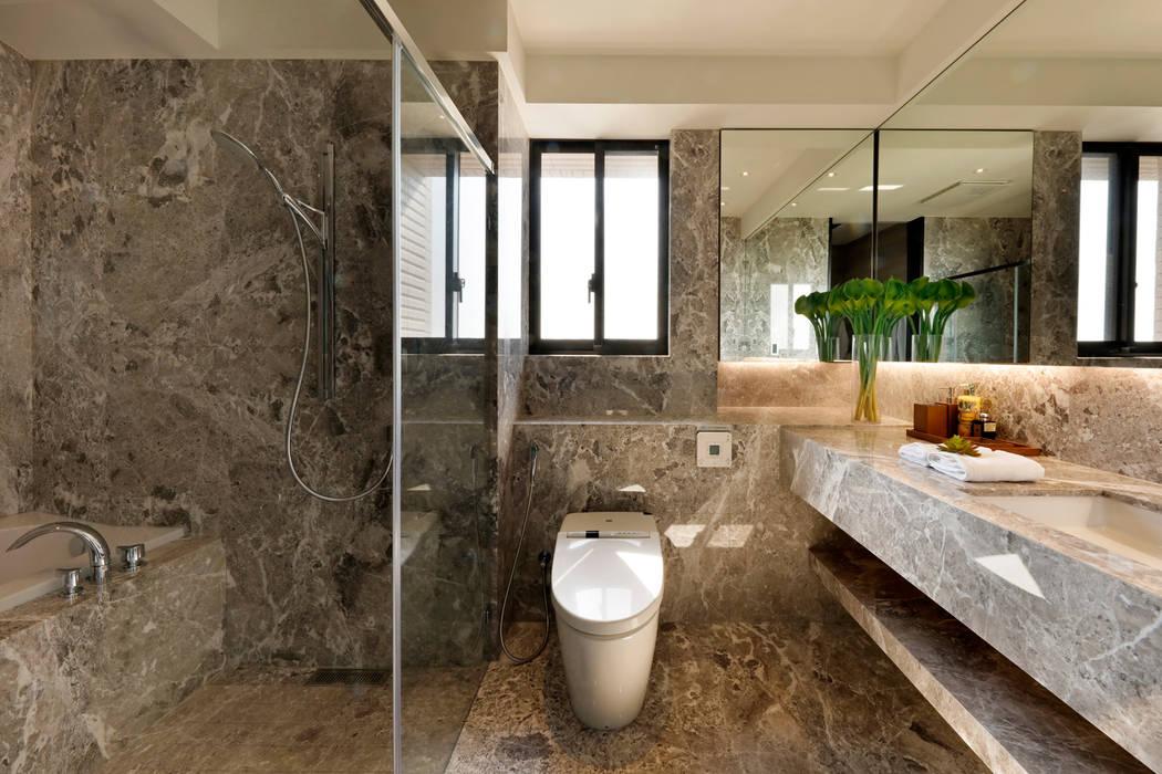 作品十號德鑫v1 現代浴室設計點子、靈感&圖片 根據 沐設計 現代風