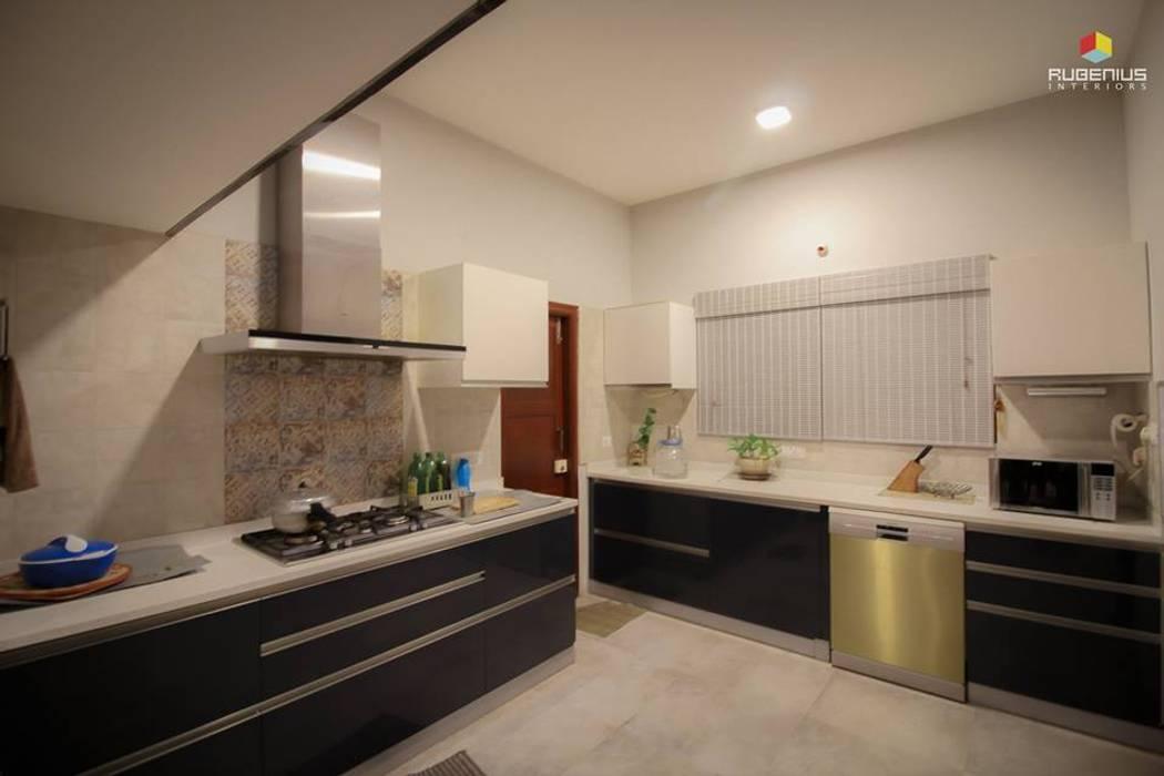KITCHEN:  Kitchen by Rubenius Interiors