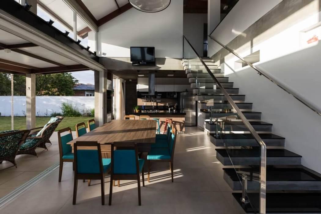 Casa Rio das Contas 151 office Arquitetura LTDA Salas de jantar modernas