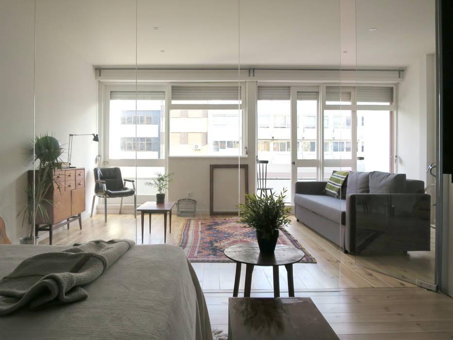 Apartamento transparente Quartos minimalistas por OTTOTTO Minimalista Vidro