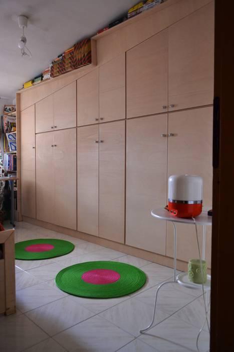 Realizzazione.: Camera da letto in stile in stile Minimalista di T.A. arredo_arredamento su misura