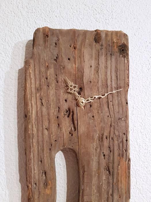Treibholz - wanduhr: wohnzimmer von nordic art | homify