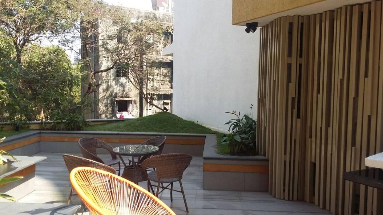 2nd floor terrace garden by Land Design landscape architects