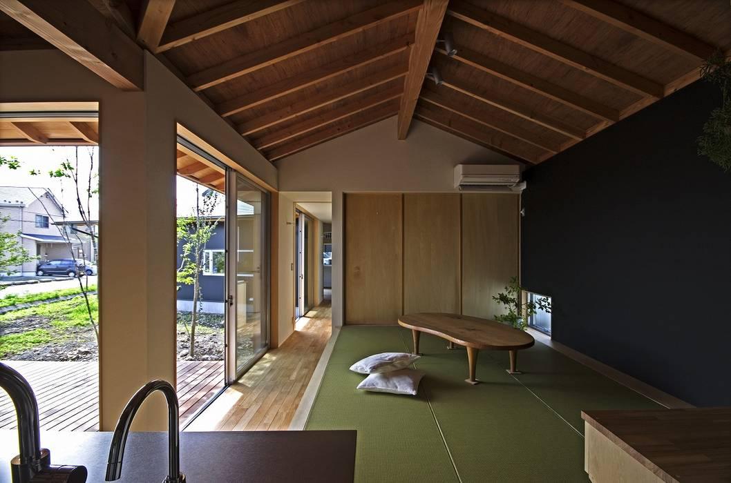 岡本和樹建築設計事務所 Salon moderne