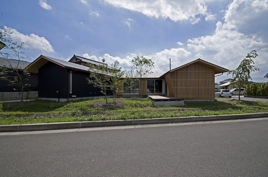 tpes 岡本和樹建築設計事務所 モダンな 家
