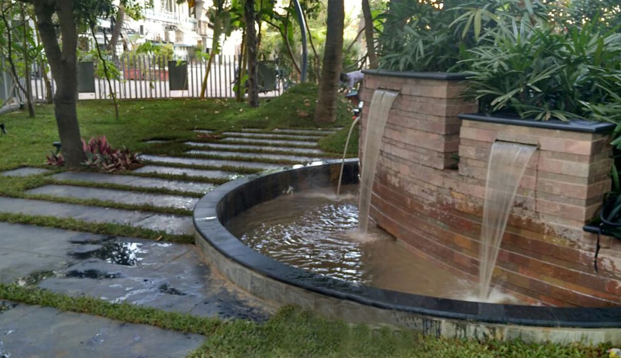 water fountain :  Commercial Spaces by Land Design landscape architects,Modern