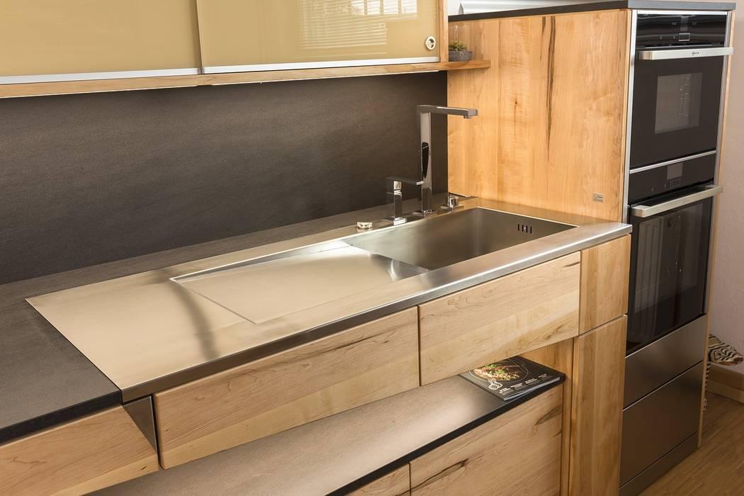 Individuelle edelstahlarbeitsplatten mit eingebauter spüle: küche ...