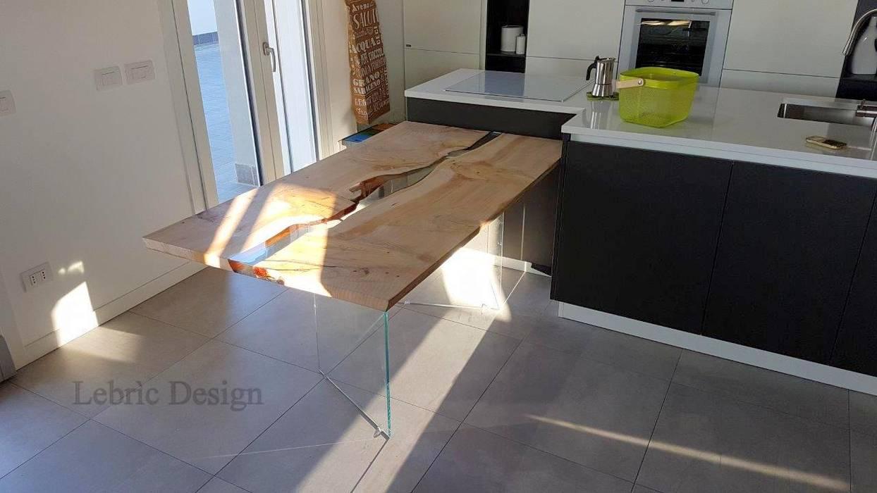 Danubio in legno di cedro: cucina in stile di antico trentino s.r.l. ...