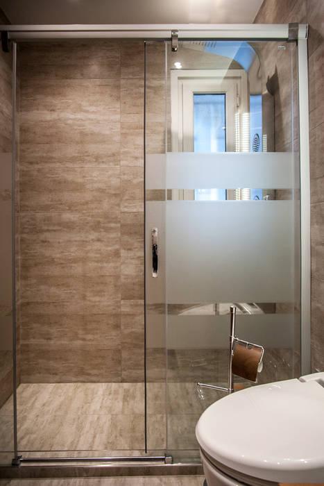 Este Mimarlık Tasarım Uygulama San. ve Tic. Ltd. Şti. – Misafir Banyosu:  tarz Banyo