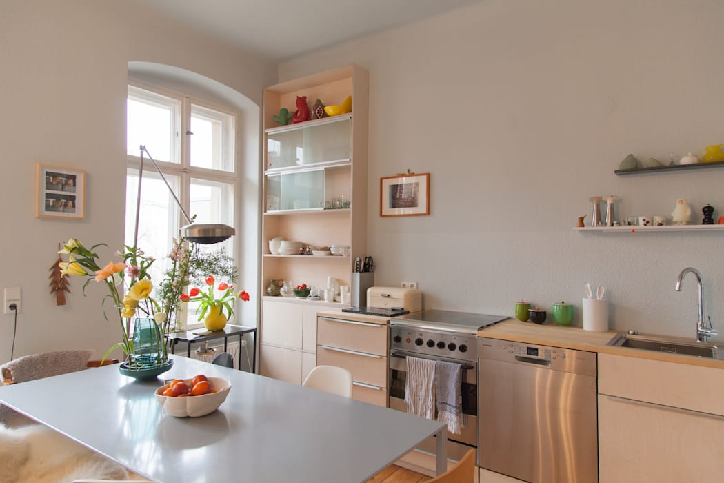 k che aus hellem holz in berlin k che von berlin interior. Black Bedroom Furniture Sets. Home Design Ideas