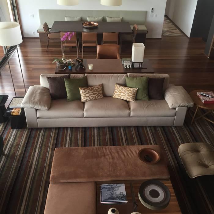 Modern living room by luciana zeitel & marcella libeskind arquitetura e interiores Modern