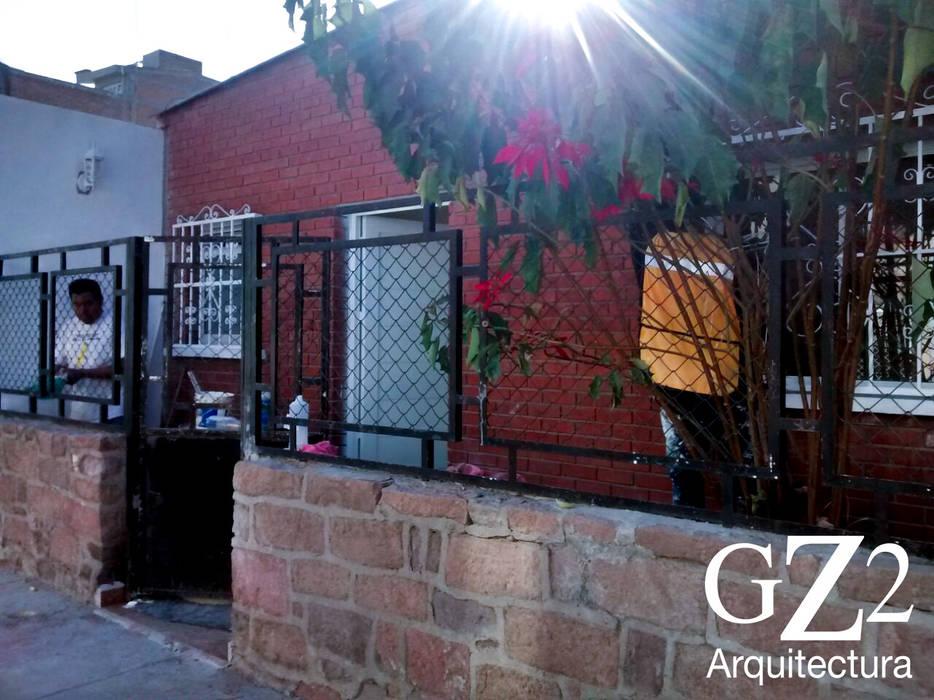 Fachada: Casas de estilo moderno por GZ2 Arquitectura