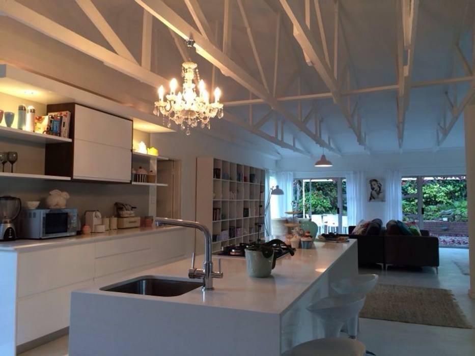 Kitchen by Cornerstone Projects, Modern