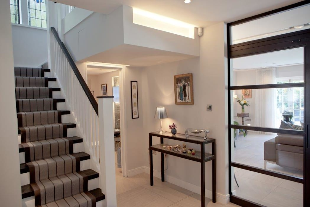Corridor & hallway by XUL Architecture, Modern
