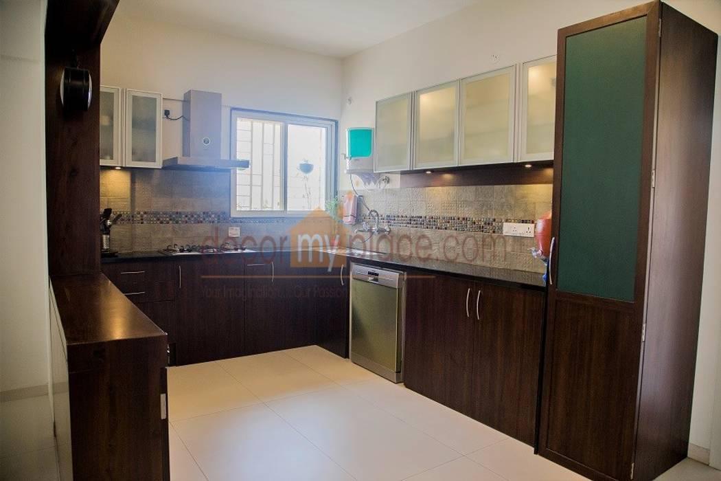 KITCHEN WITH DISH WASHER Modern kitchen by decormyplace Modern