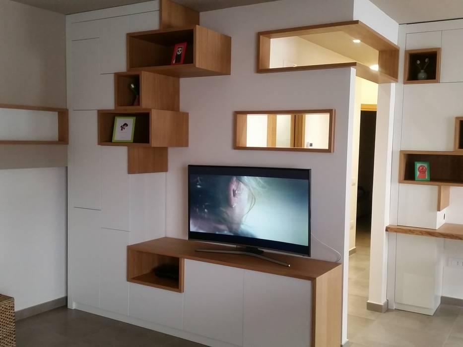 Parete attrezzata tv: skandinavische wohnzimmer von homify | homify