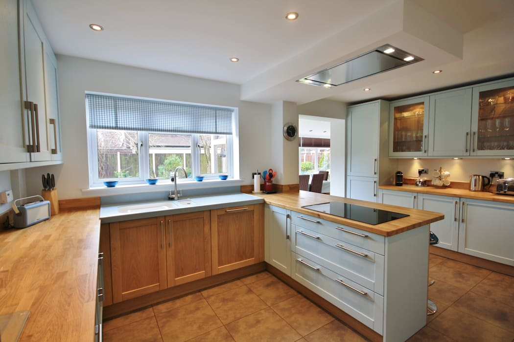 Bespoke Powder Blue Mixed with Natural Oak, Kitchen & Utility Completed Design: eclectic Kitchen by Kitchencraft