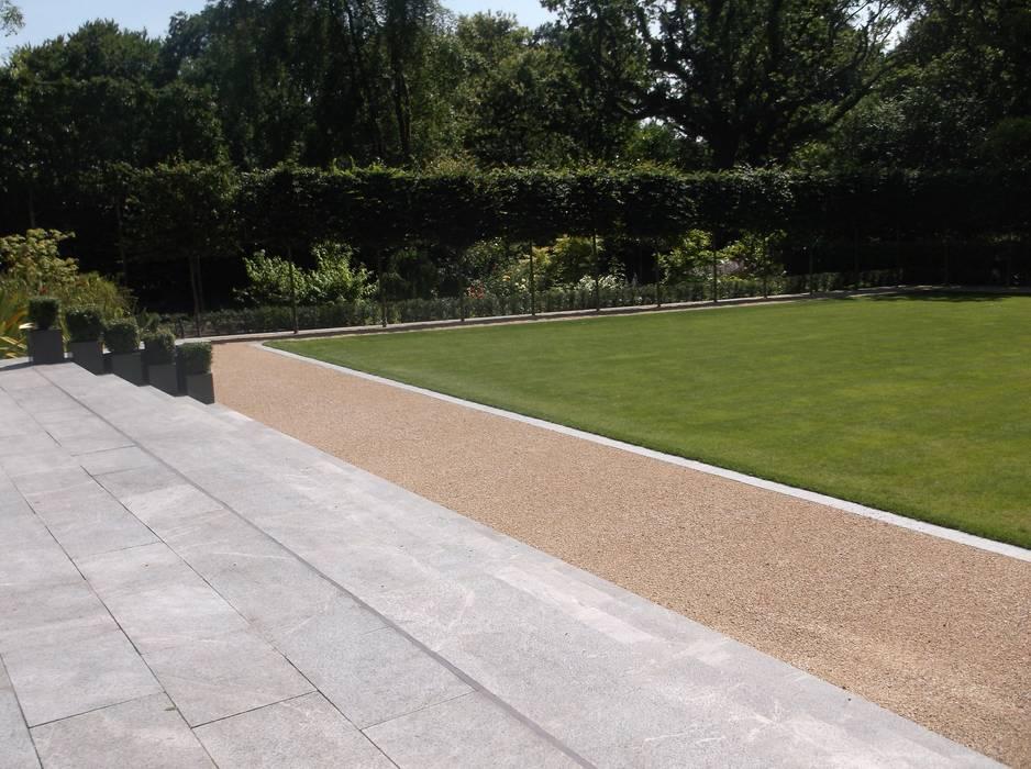 HaleBans Garden:  Garden by Charlesworth Design