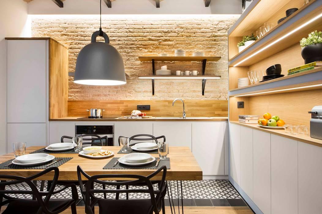 Urban beach home: Cocinas de estilo  de Egue y Seta,