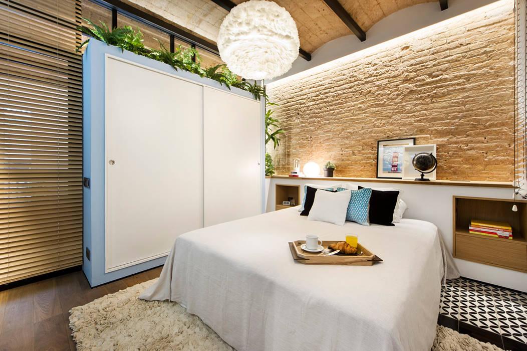 Mediterranean style bedroom by Egue y Seta Mediterranean